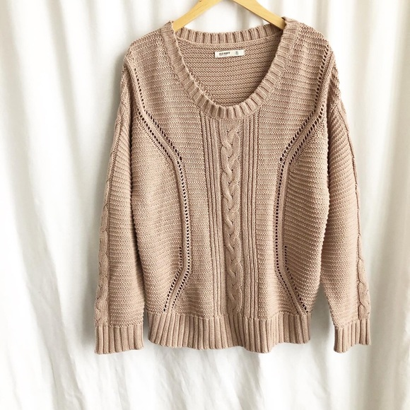 Old Navy Sweaters - Old Navy dusty rose knit sweater